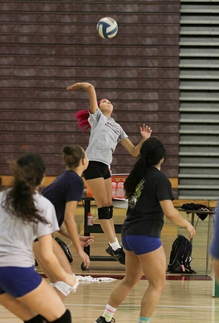 simpson_volleyball_2013sept04_8133