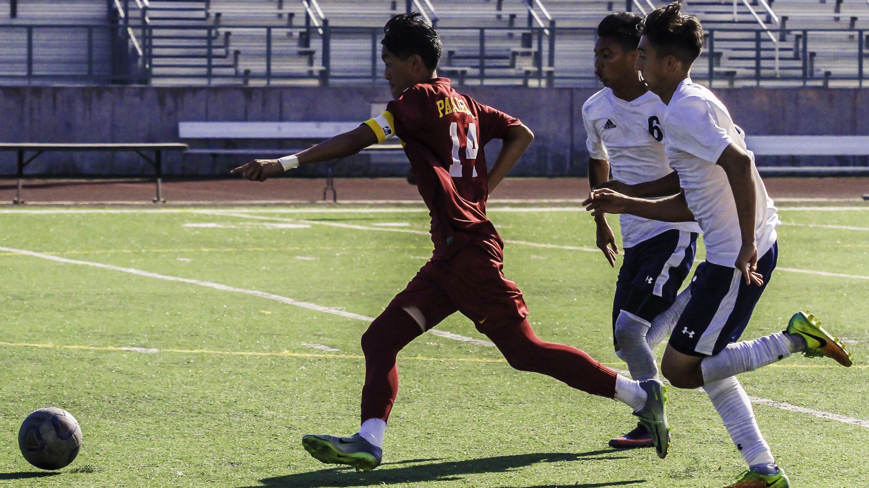 Mens-Soccer-Lead_Chaides_10132017.jpg